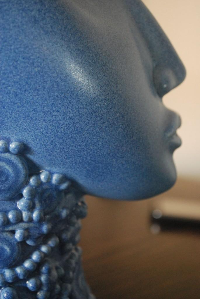Blue bust in ceramic